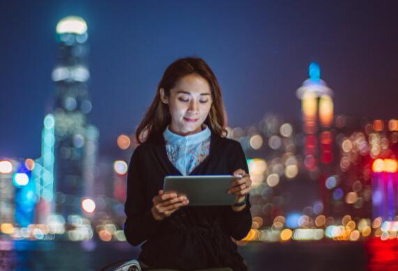 哪只中国科技股的前景更光明