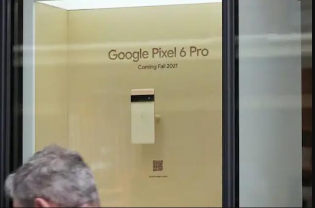 谷歌像素6系列在纽约谷歌商店展出