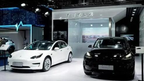 特斯拉正在使用机器人技术和人工智能来主导电动汽车行业