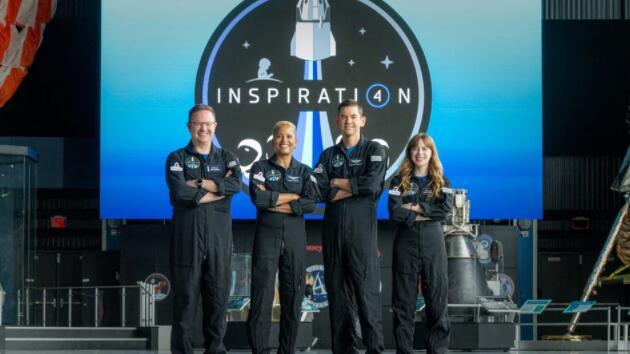 SpaceX任务将在国际空间站哈勃望远镜上方向太空发射Inspiration4团队