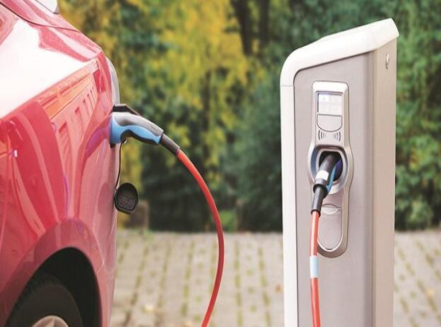 印度计划将三轮车改造成电动汽车 以实现2030年电动汽车占30%的目标