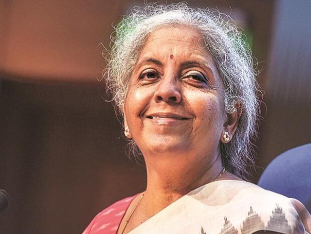 印度西塔拉曼敦促全面接种疫苗 使经济和工业正常运转