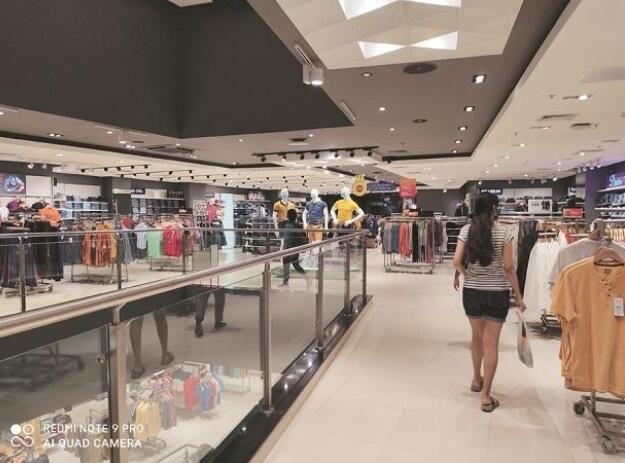 调查:由于节日需求 8月零售额达到当前局势前水平的88%